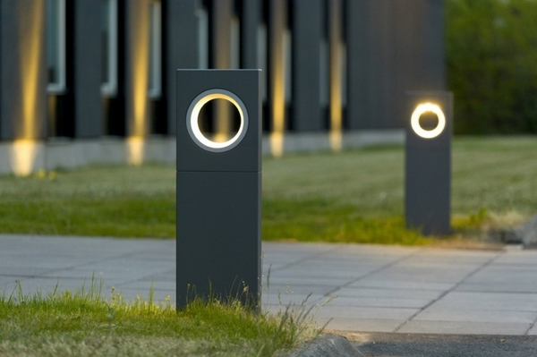 modern-outdoor-lighting-ideas-LED-lighting-garden-path-lighting