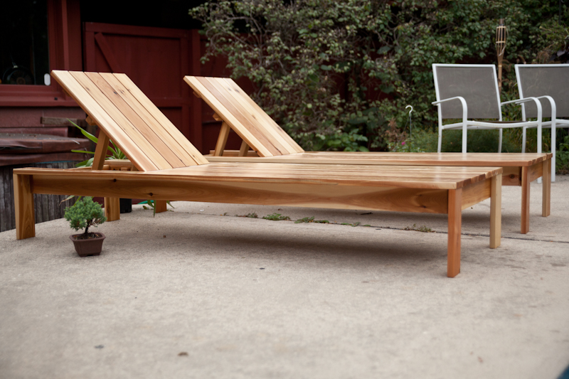 simple modern outdoor lounger 1_1
